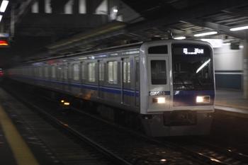 2010年5月11日 19時59分、西所沢、通過する6113Fの上り回送列車。
