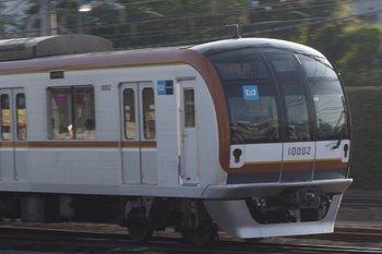 2010年6月4日、所沢、発車したメトロ10002Fの6504レ。