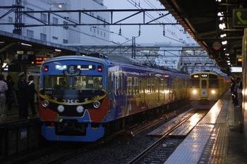 2010年6月14日、所沢、左が3011Fの3306レ。