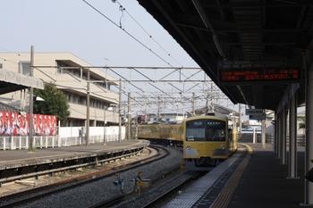 2010年7月23日、西所沢、発車した3005Fの6111レ。
