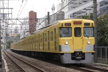 2010年7月31日、高田馬場~下落合、2007Fの2105レ。