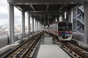 2010年8月9日、京急蒲田、京成 3768ほかの上りエアポート快特 高砂ゆき。