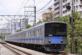2010年8月7日、高田馬場~下落合、5814レの20158F。