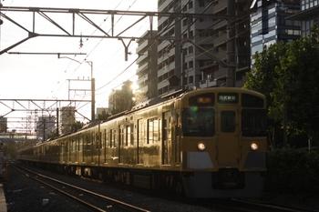 2010年8月11日、高田馬場~下落合、2517F+2533F+2401Fの2812レ。