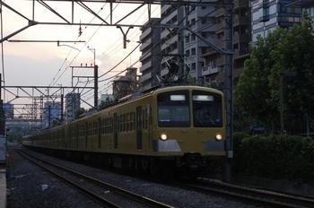 2010年8月17日 17時52分頃、高田馬場~下落合、285F+1239F+1245Fの上り回送列車。