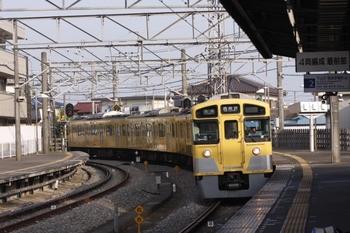 2010年8月21日、西所沢、6108レの2501F。