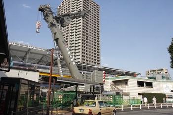 2010年9月4日、石神井公園、南口駅前広場から駅を向いて撮影。