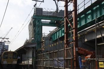 2010年9月4日、石神井公園、池袋方の踏切から駅を向いて撮影。