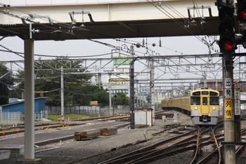 2010年9月12日、所沢、到着する7602レの2093F