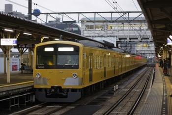 2010年9月30日 5時45分頃、所沢、4番ホームで発車を待つ3007Fの上り回送。
