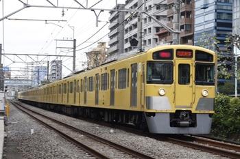2010年10月29日、高田馬場~下落合、2059F+2405Fの2754レ。