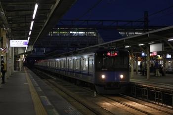 2010年11月8日 5時51分頃、所沢、20152Fの新宿線・上り回送列車。