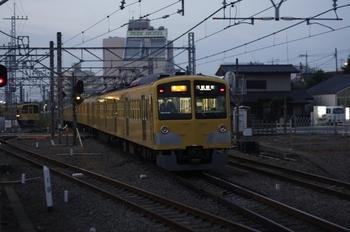 2010年11月12日、所沢、発車した295F+1311Fの2804レ。
