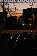 2010年12月25日 6時26分頃、保谷、到着するメトロ10001Fの下り回送。