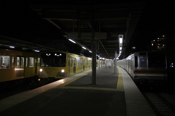 2011年1月1日 0時23分頃、東長崎、中央が飯能延長の5241レ。