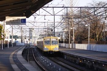 2011年1月4日 15時51分頃、稲荷山公園、271F+1303Fの下り回送列車。