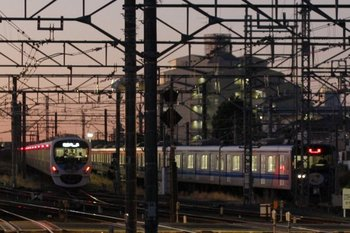 2011年1月17日、所沢、6時半ころの電留線。