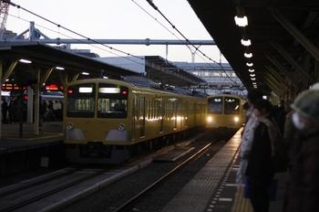 2011年1月19日 6時42分ころ、所沢、右が285F+1301Fの4603レ。