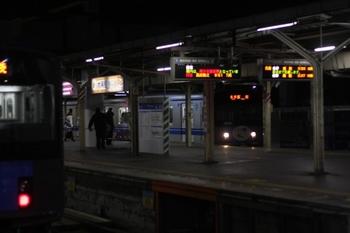 2011年1月26日 5時50分頃、所沢、右が20151Fの5107レ。