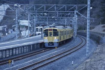 2011年1月30日 8時4分頃、吾野、右が2083Fの下り臨時列車。