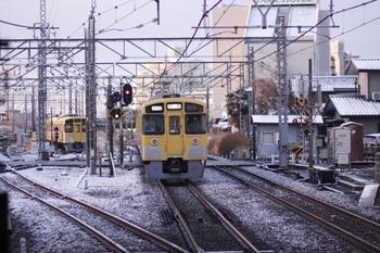 2011年2月12日 6時55分頃、所沢、2541Fの新宿線・上り回送列車。