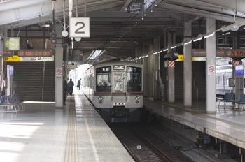 2011年3月20日 15時50分頃、飯能、2・3番ホームで発車を待つ4011F。