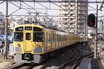 2011年3月19日 15時2分頃、東村山、2451F+2013Fの各停 新所沢ゆき。
