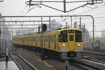 2011年3月21日 10時18分頃、練馬、豊島園から到着する2501Fの各停。