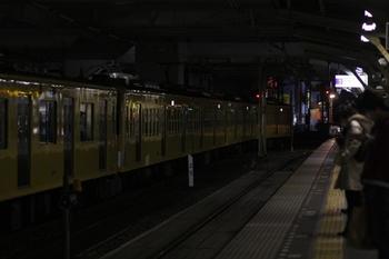 2011年3月26日 19時5分頃、所沢、6番ホームに到着した2091F+263F。