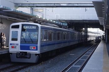2011年4月1日 7時10分頃、保谷、発車した6152Fの4502レ。