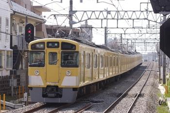 2011年4月2日 13時24分頃、西武柳沢、2451F+2019Fの各停 田無ゆき。