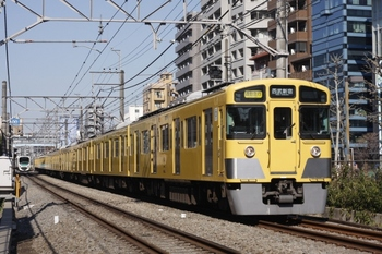 2011年4月6日、高田馬場~下落合、2535F+2011Fの2754レ。