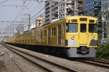 2011年4月27日、高田馬場~下落合、2019F+2545Fの2754レ。