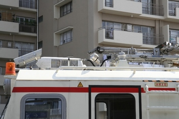 2011年6月4日、東長崎、ドクター・マルチの飯能方屋根上