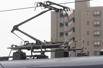 2011年6月10日、モハ10609の集電装置。