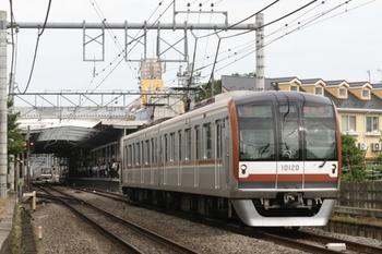 2011年6月24日、ひばりが丘、発車したメトロ10020Fの4504レ。