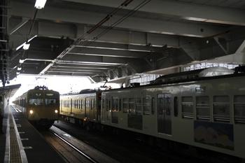 2011年7月9日、所沢、6番線に停車中の1247F+263F。