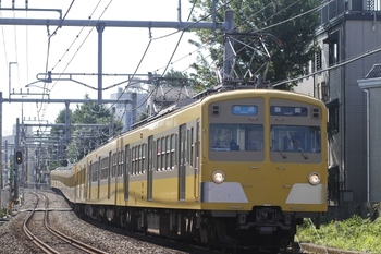 2011年7月10日、池袋~椎名町、217F+1303Fの3105レ。