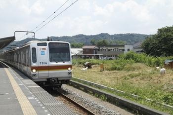 2011年7月13日 11時33分頃、元加治、メトロ7016Fの各停 飯能ゆき。