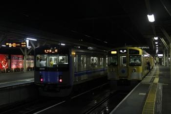 2011年8月7日 20時0分、所沢、4番ホームから発車した20106Fの各停 飯能ゆき。
