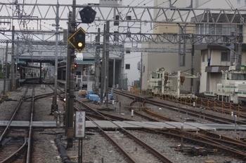 2011年8月6日、保谷、上り列車先頭から見た飯能方。