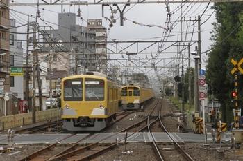 2011年9月4日 6時21分頃、清瀬、発車した1301Fの下り回送列車。