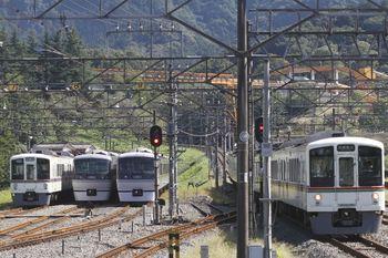2011年9月24日、横瀬、電留線は左から4013F・10109F・10105F。