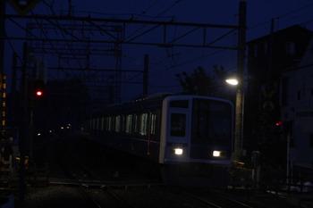 2011年12月7日、西所沢、小竹向原ゆき6506レの6104F。