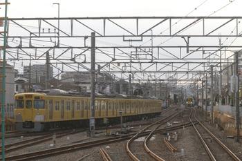2012年1月4日 15時31分頃、田無、発車した2021Fの下り回送列車。