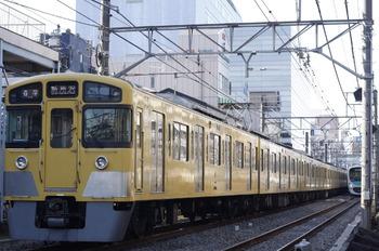 2012年1月17日、高田馬場~下落合、2045F+2451Fの5823レ。