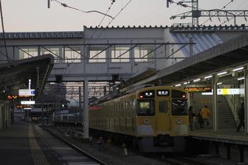 12012年2月4日、西所沢、6156レの2501F。