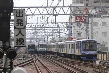 2012年2月5日 12時9分ころ、武蔵小杉、東急以外の3社の車両が揃いました。