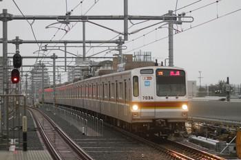2012年3月10日 6時22分頃、石神井公園、メトロ7034Fの下り回送列車。