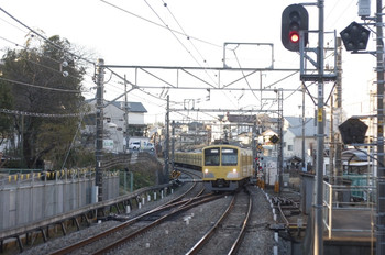 2011年3月11日 6時40分頃、狭山市、上り本線へ進入する301系の下り回送列車。